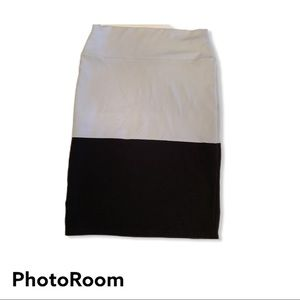 3/$18 Lularoe white and black color block Cassie